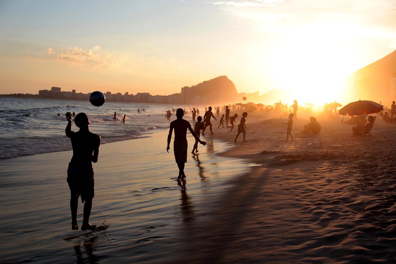 На пляжах и в парках Севастополя будут контролировать количество людей
