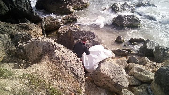 На крымский берег выбросило труп дайвера