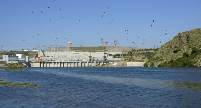 На Украине хотят взорвать свою же ГЭС, чтобы досадить Крыму