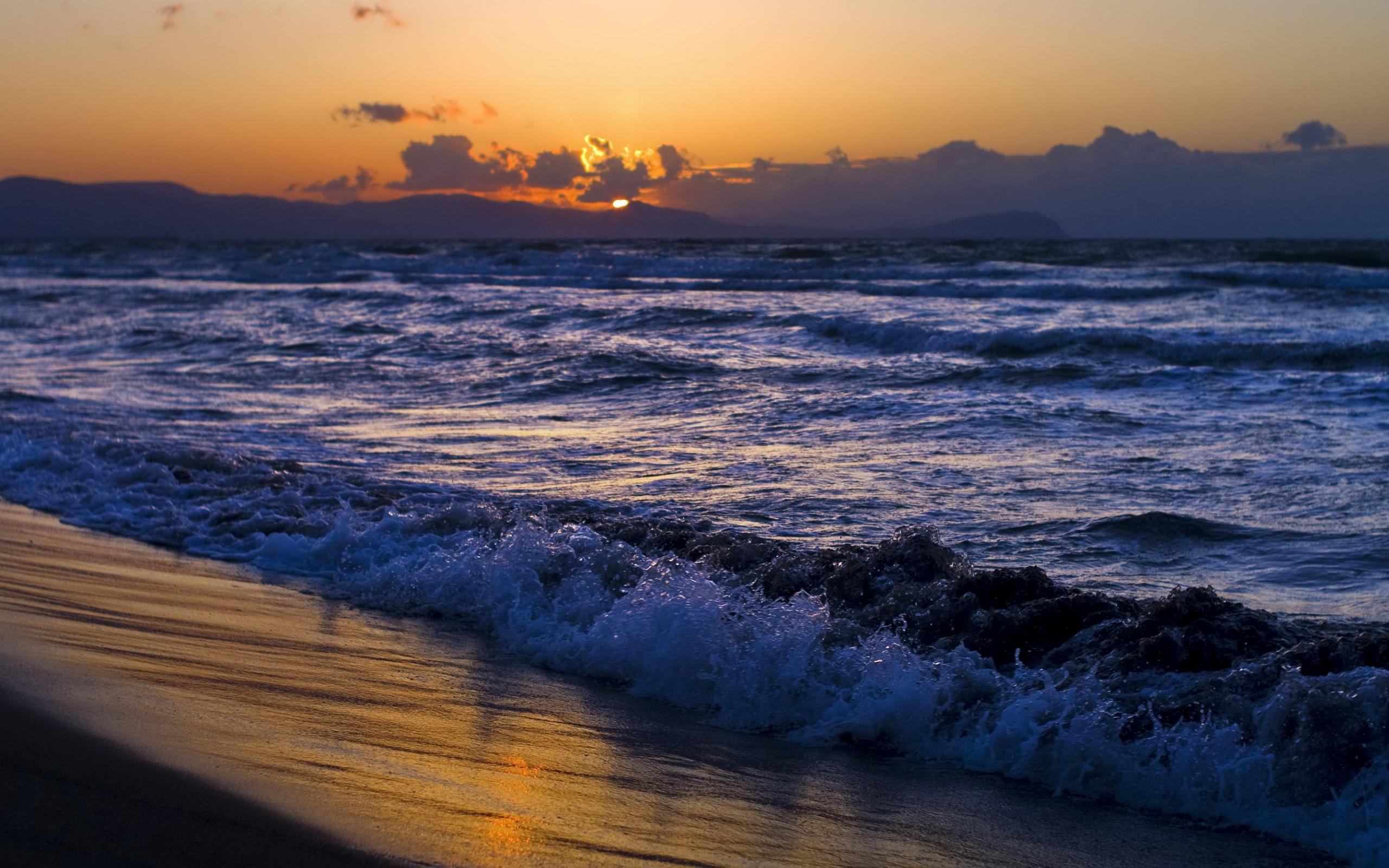 В Крыму на пляже утонула маленькая девочка