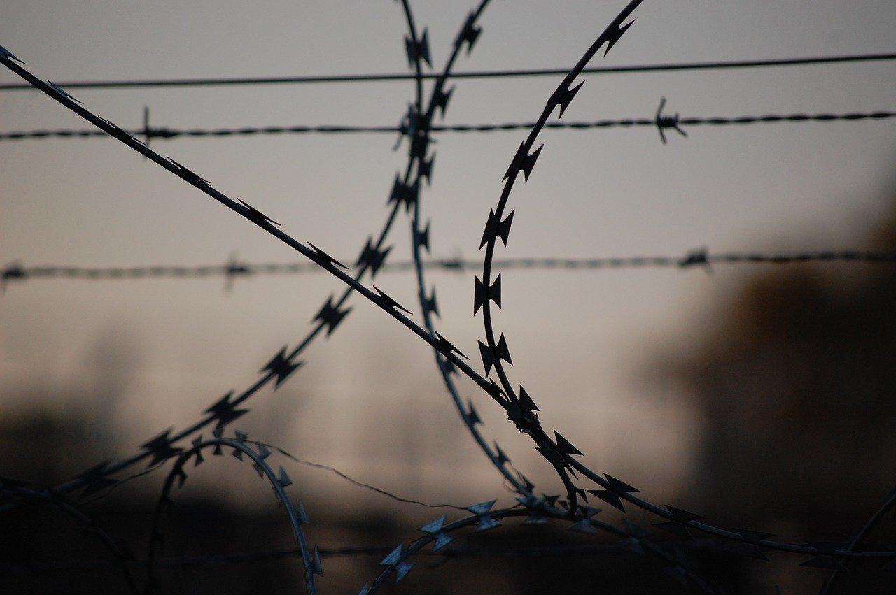 Крымчанин отправится в колонию за нападение на сотрудницу полиции