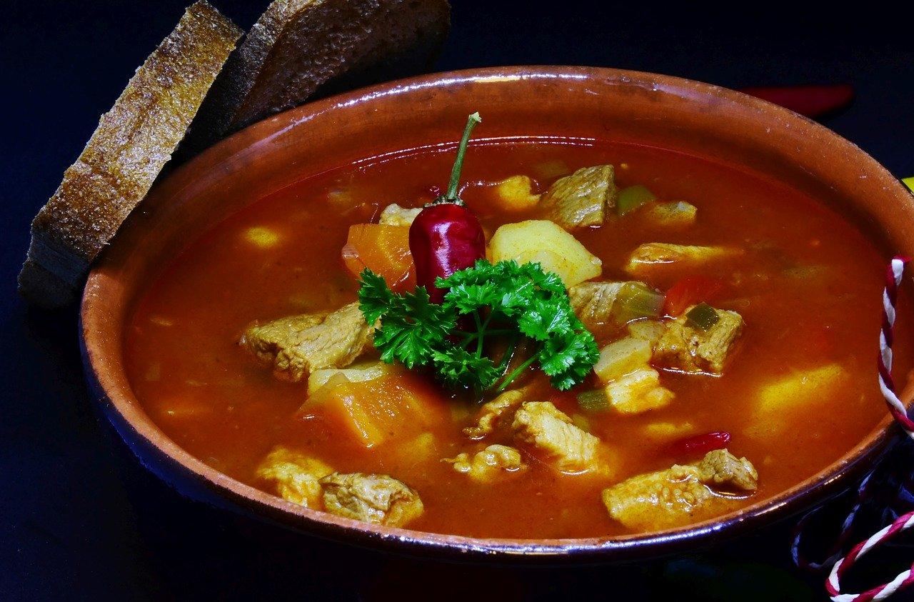 Диетолог назвала самый вредный и опасный суп
