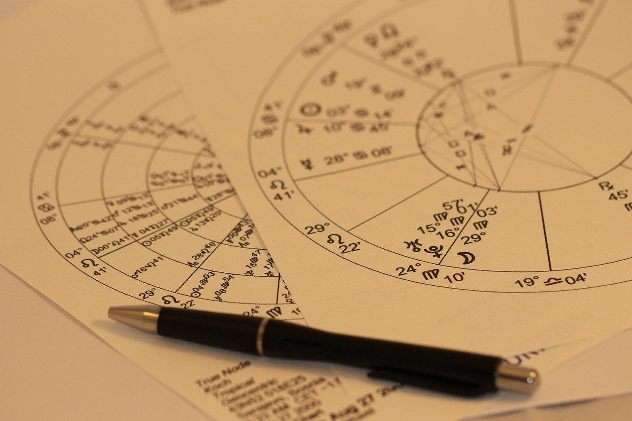 Что звезды нам готовят: астролог дал прогноз на первый месяц лета