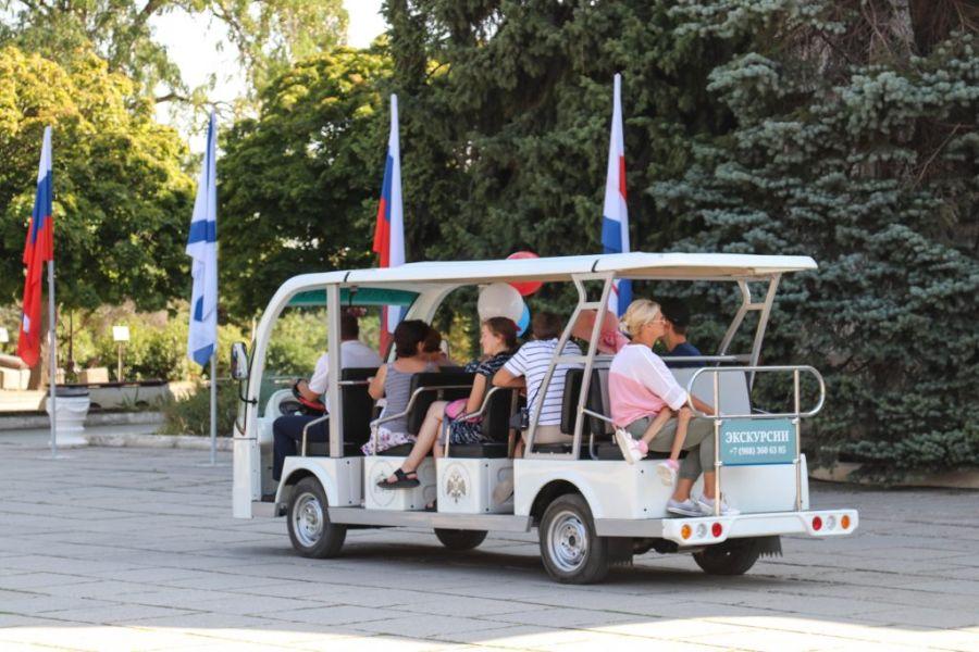 Гостей севастопольского музея приглашают на экскурсию на электромобиле