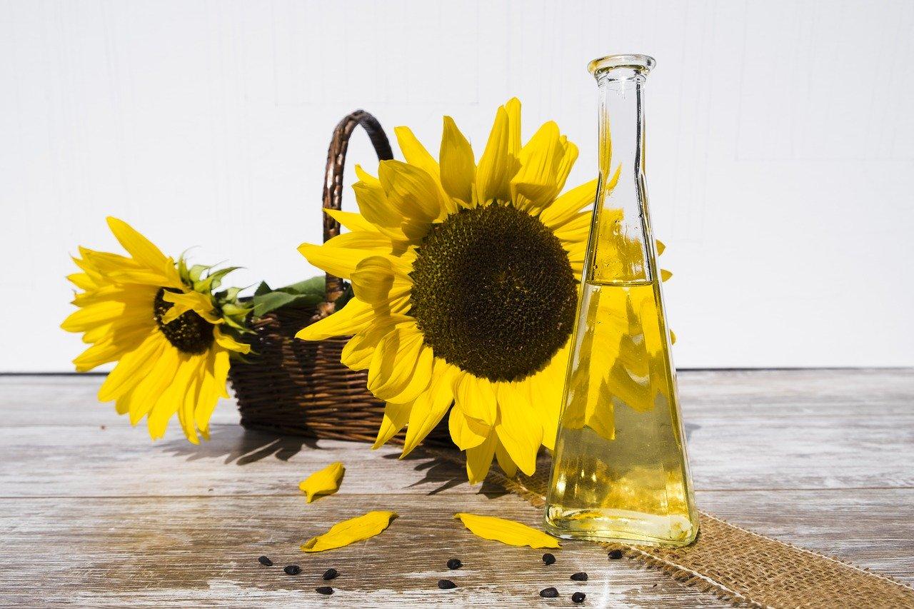 Онколог предупредил об опасности подсолнечного масла
