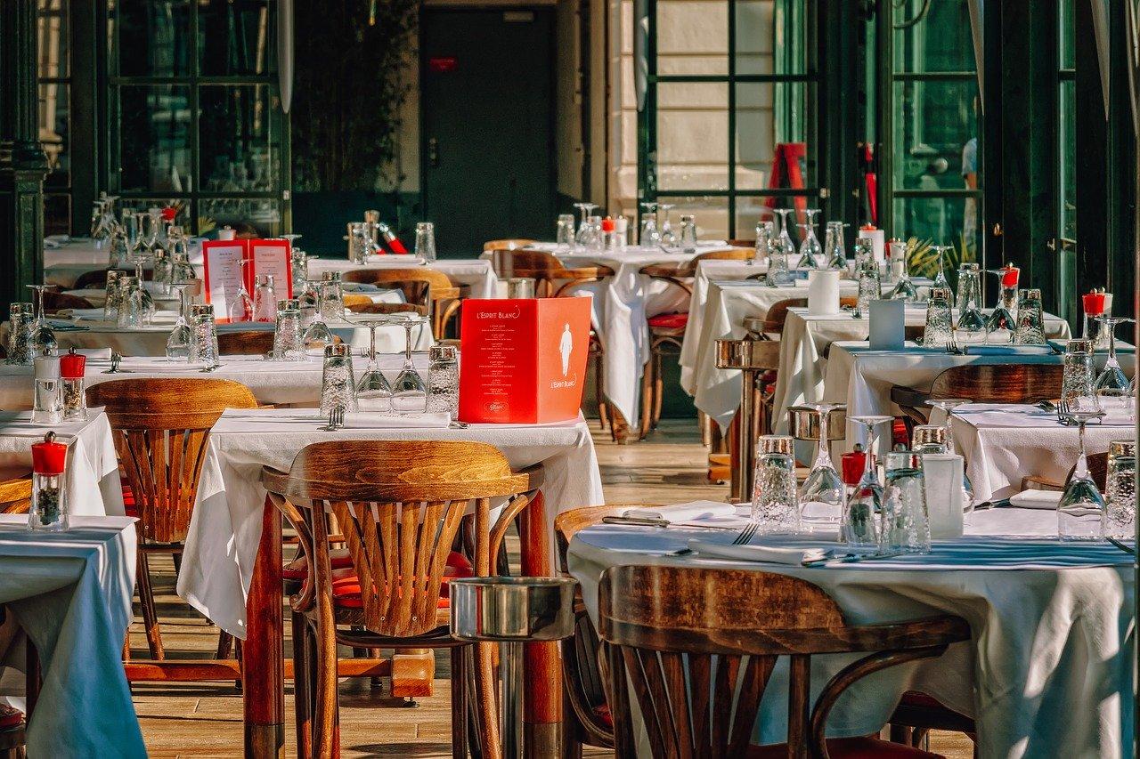 Кафе и рестораны полноценно заработают в Крыму уже с 15 июня