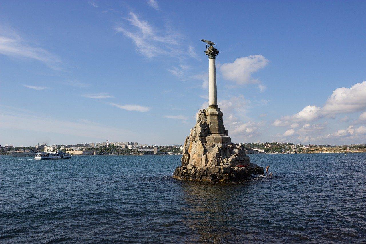 Памятник затопленным кораблям попал в топ фотографий на карантине