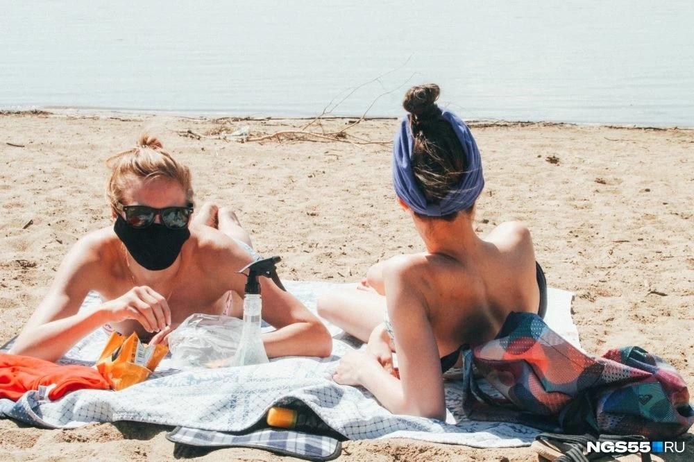 В Крыму определились, нужно ли носить маски на пляжах
