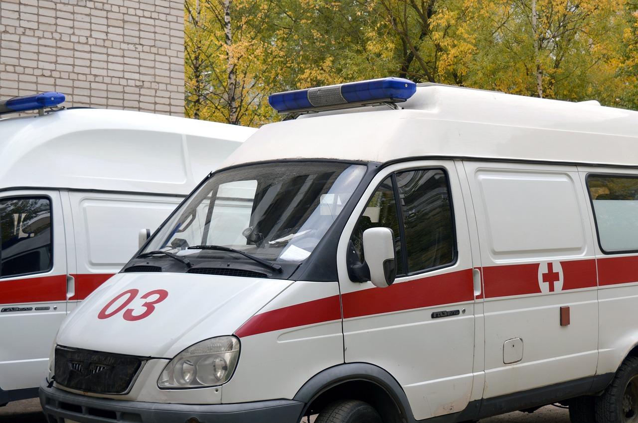В Крыму тягач Renault повредил сразу пять автомобилей