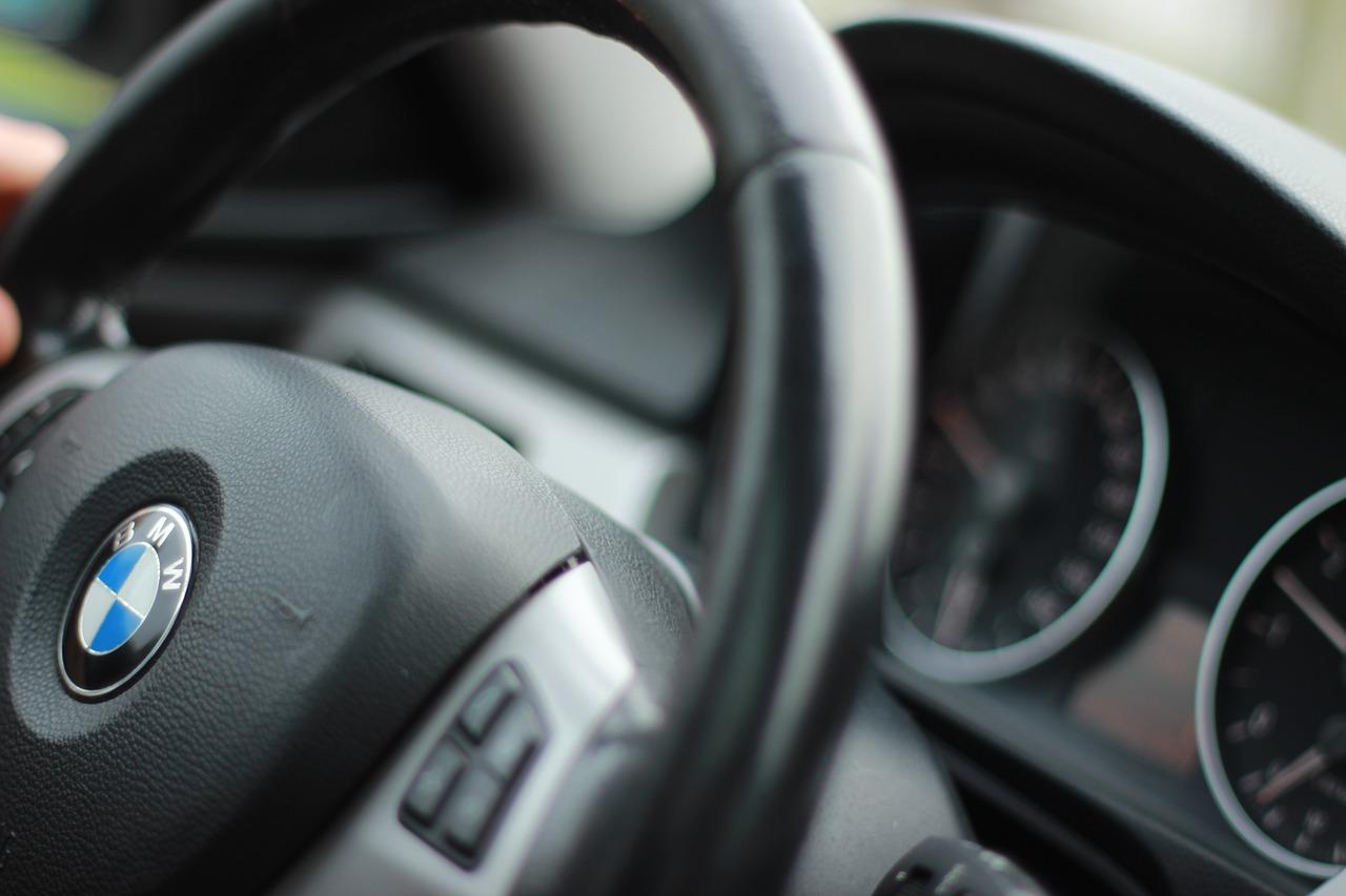 Действие закончившихся водительских прав продлили до конца года