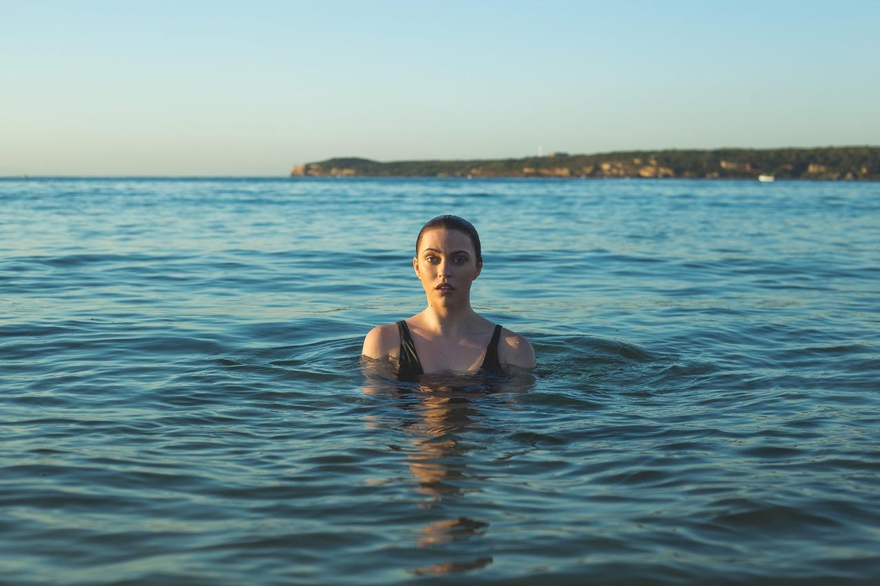 Названы 13 севастопольских пляжей, где запрещено купаться