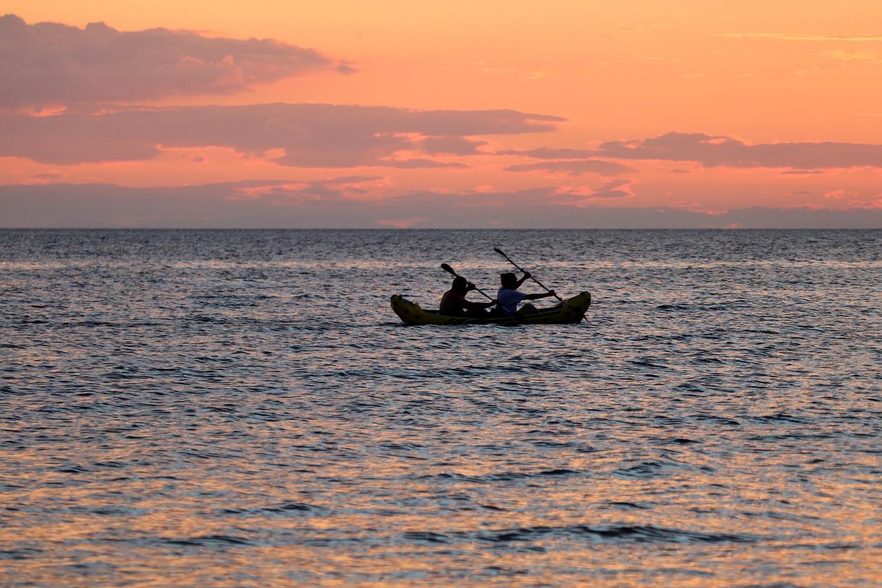 В Крыму туристы стали заложниками Черного моря