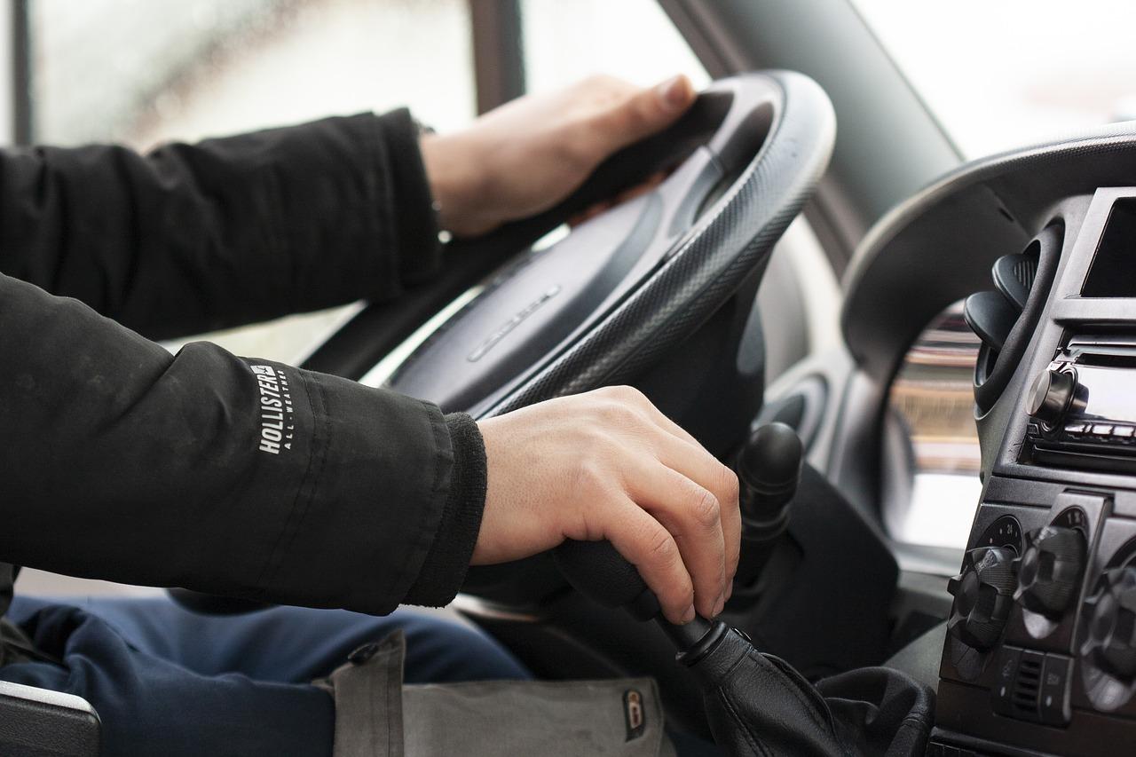 Эксперт назвал шесть опасных «глупостей», которые совершают водители