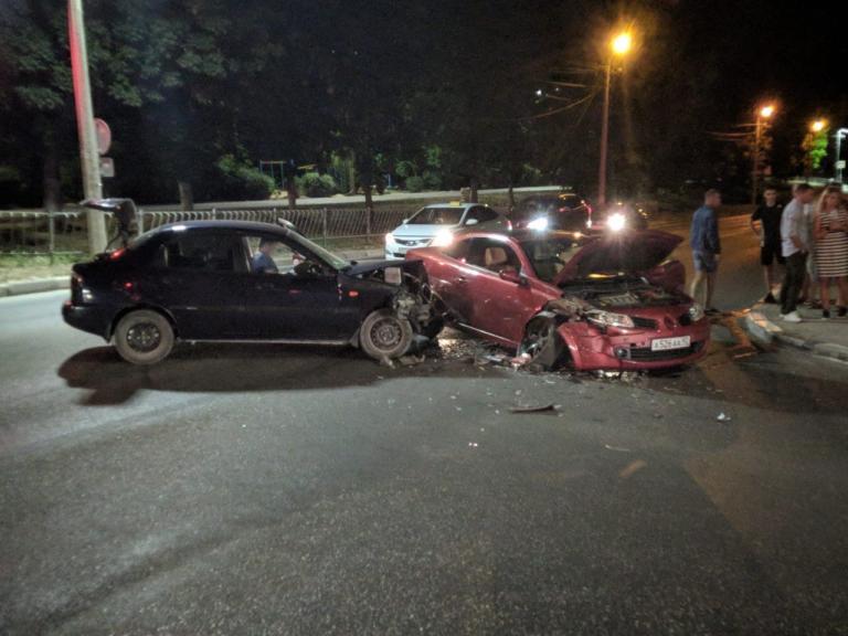 В ДТП в Севастополе разбился автомобиль