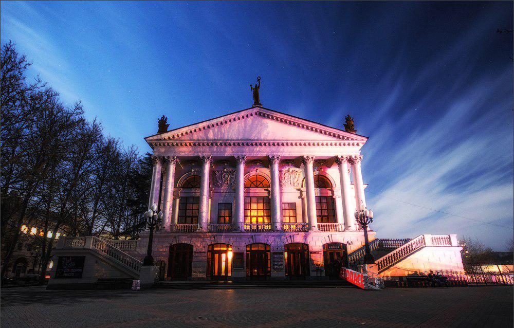В Севастополе медики смогут бесплатно посещать театр имени Луначарского