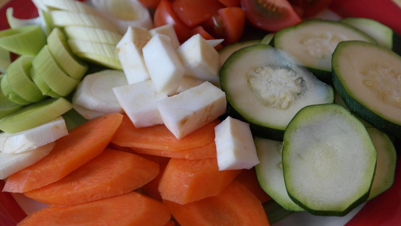 Специалисты рассказали, какие три продукта помогут избавиться от жира на животе