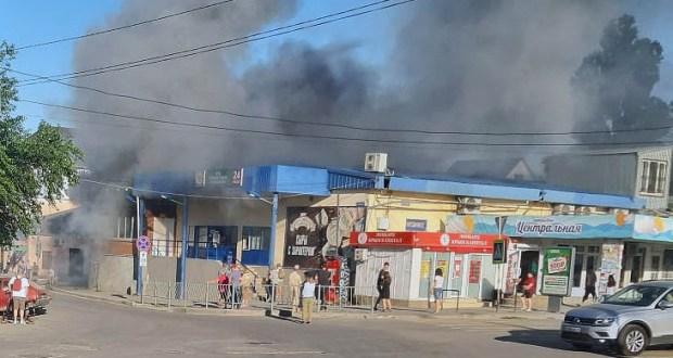 В крымском городе едва дотла не сгорел супермаркет