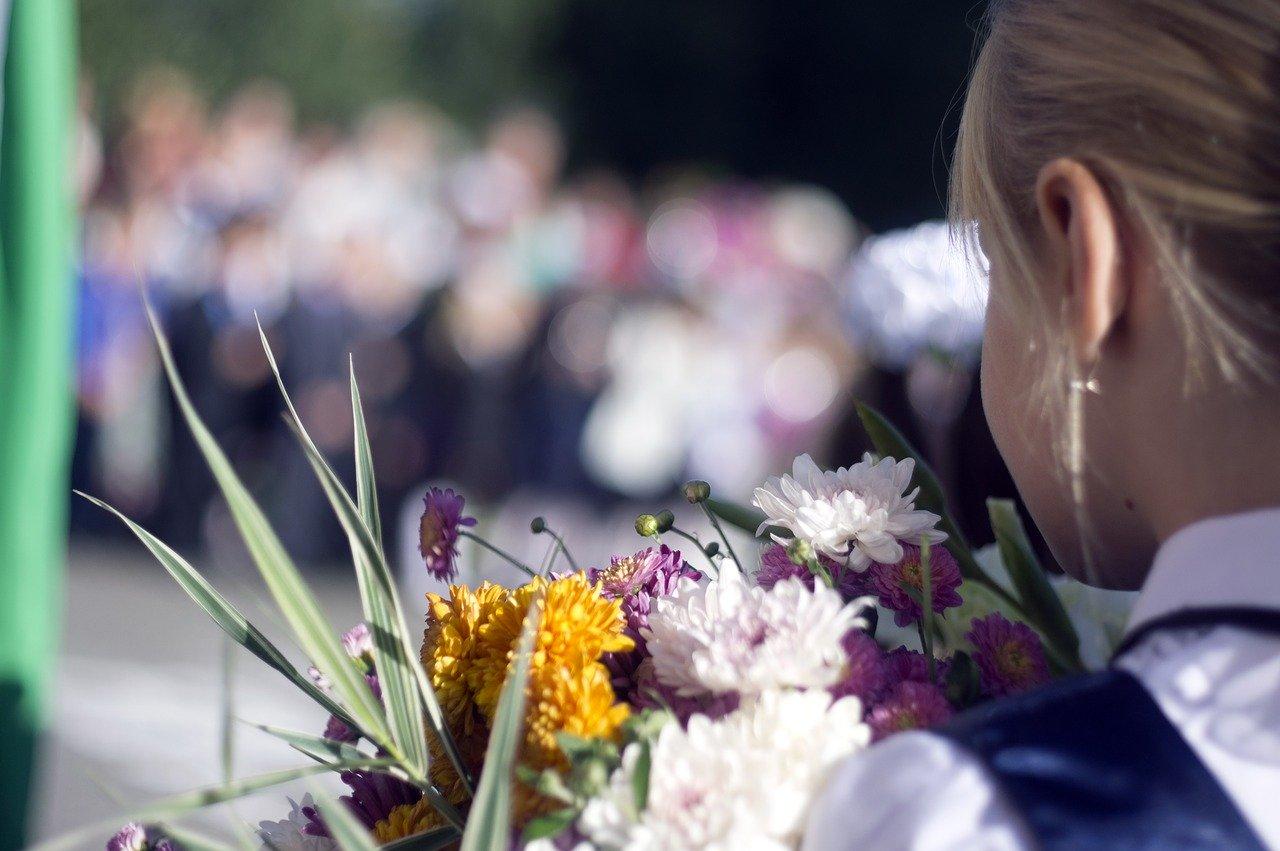 В Крыму многодетным семьям компенсируют затраты на школьную форму