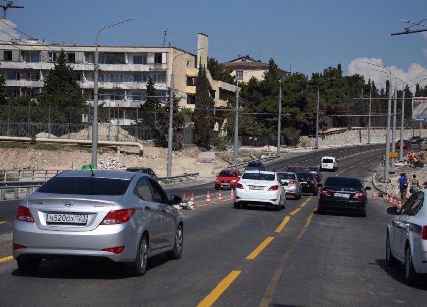 В Севастополе запущено четырехполосное движение по мосту через суходол