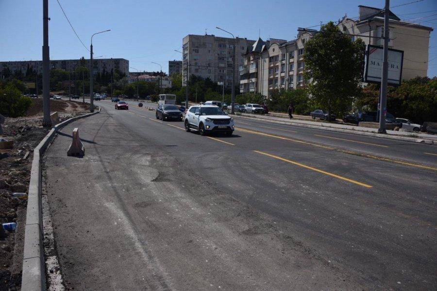 Ночью в Севастополе завершится асфальтирование моста на проспекте Гагарина