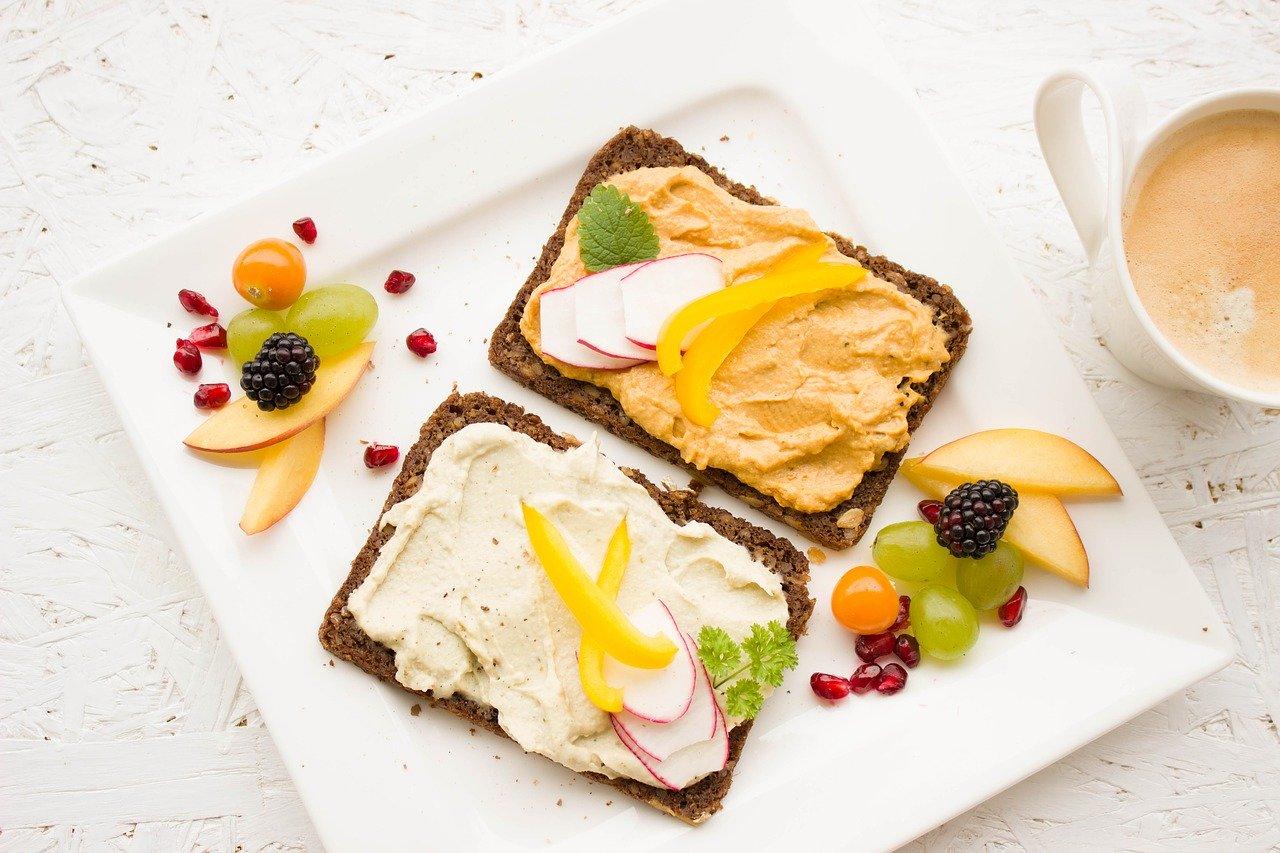 Диетолог рассказала, что стоит готовить на завтрак
