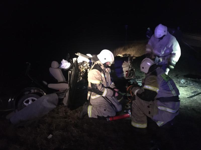 В Крыму пострадавших в ДТП доставали специальным оборудованием