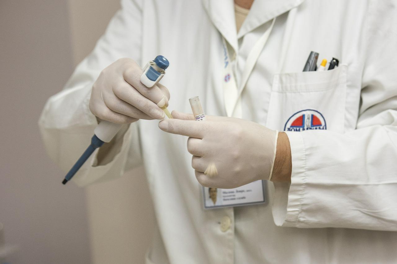 Врач-гепатолог назвал симптомы гепатита B