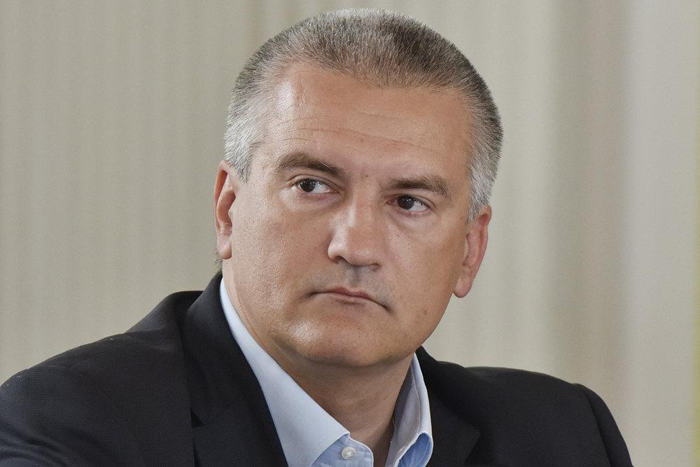 Сергей Аксенов обратился к бизнесменам с просьбой