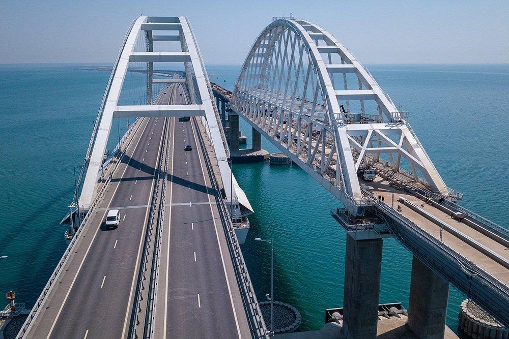 Рекордное количество автомобилей проехало через Крымский мост