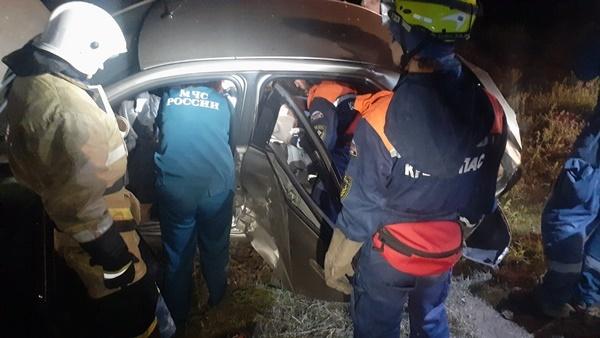 Возле аэропорта Симферополь столкнулись два автомобиля