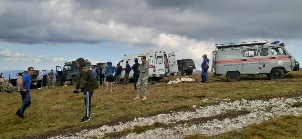В Крыму автомобиль сорвался со склона, один человек погиб
