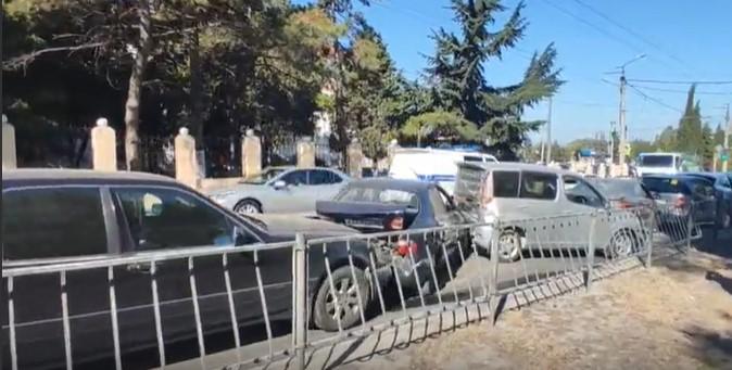 В полиции прокомментировали массовое ДТП в Севастополе с участием шести автомобилей