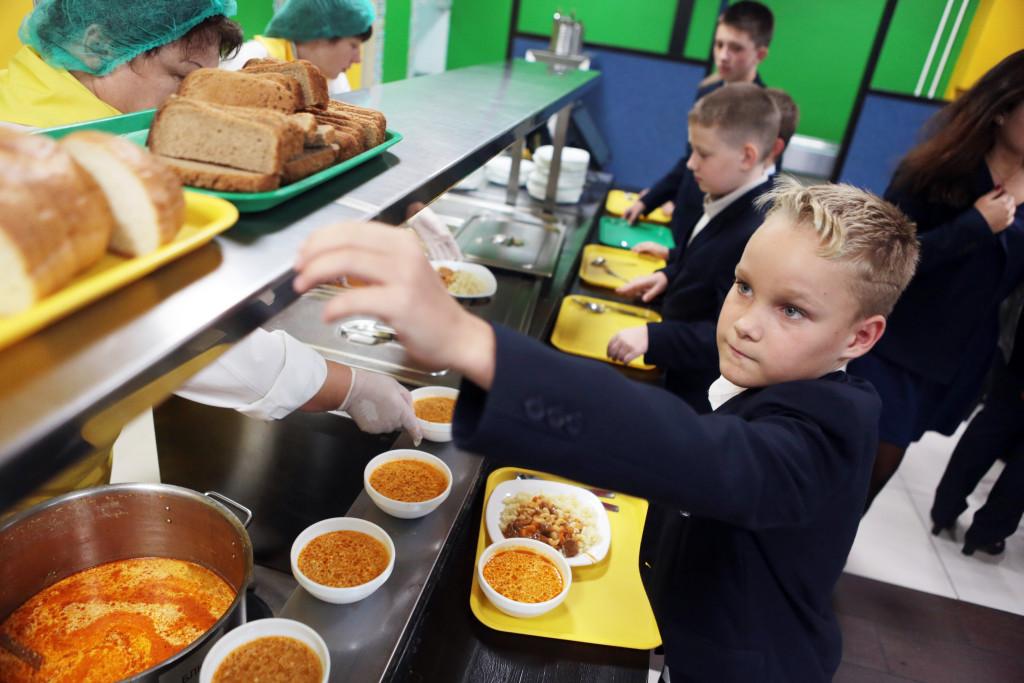 Следить за качественным питанием школьников родители смогут через интернет