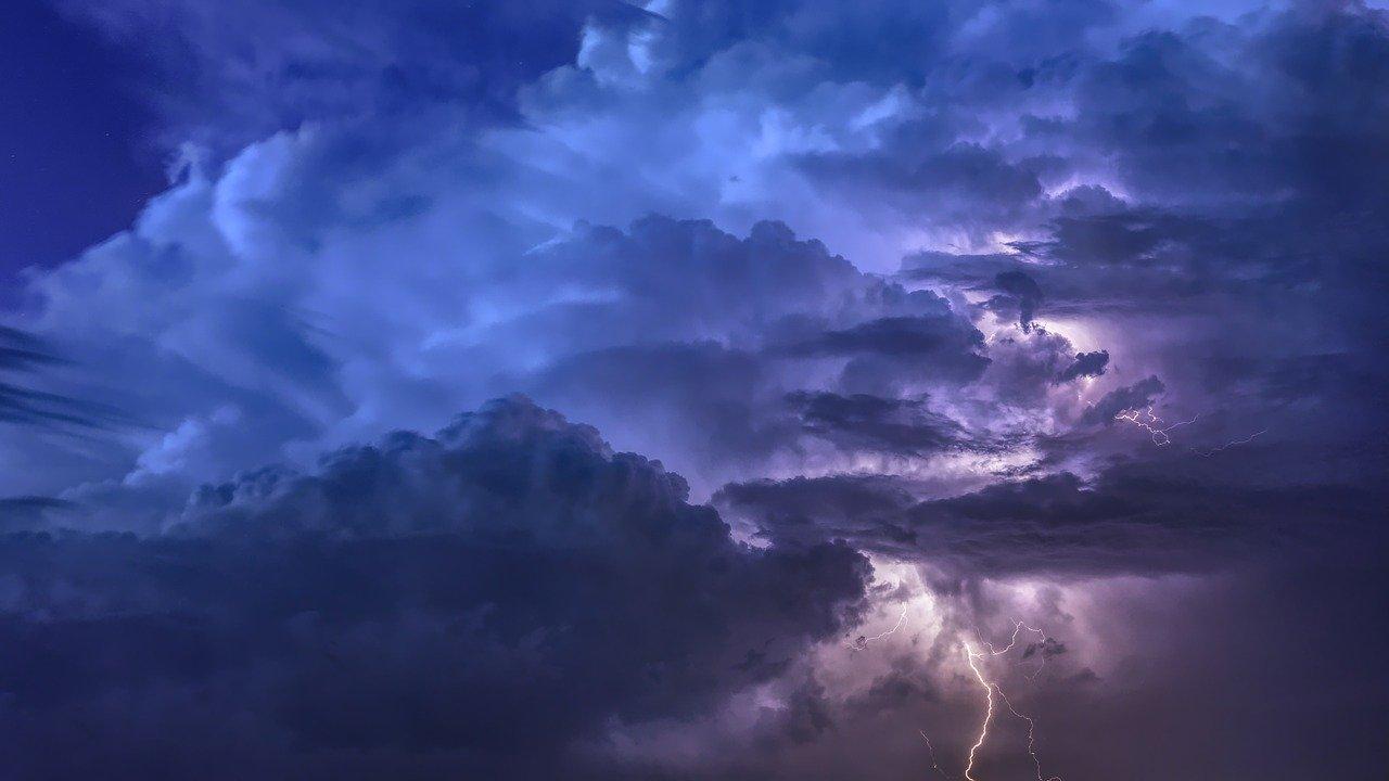 МЧС предупреждает о резком ухудшении погоды в Крыму