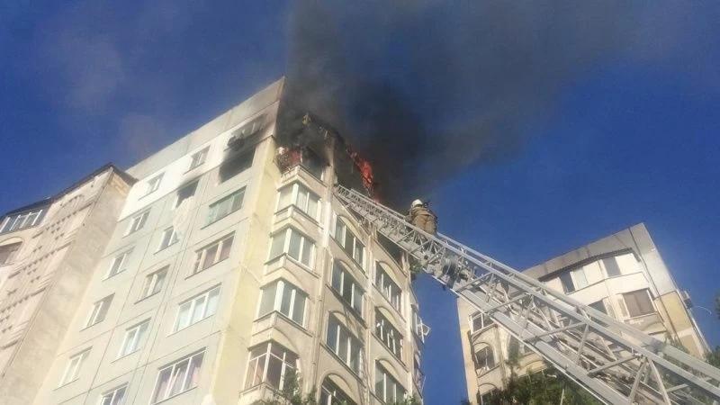 В жилом многоэтажном доме в Керчи прогремел взрыв