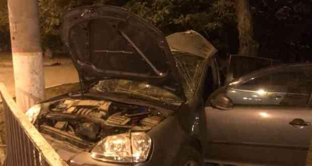 Машина влетела в столб: в Керчи произошло смертельное ДТП