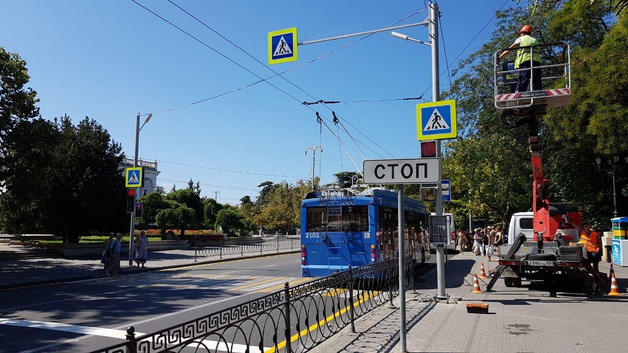 В Севастополе заработал новый светофор на проспекте Нахимова