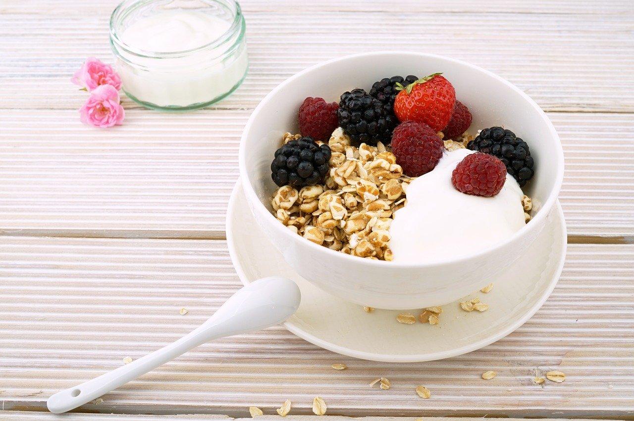 Врач-диетолог развеяла миф о пользе овсянки на завтрак