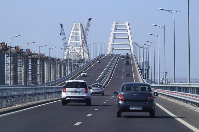 За лето по Крымскому мосту проехало почти 2 млн автомобилей