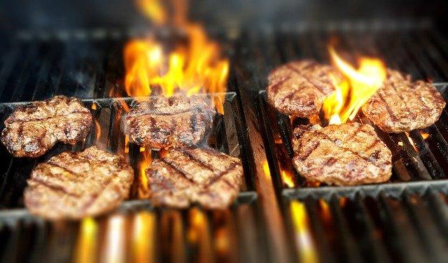 готовить мясо