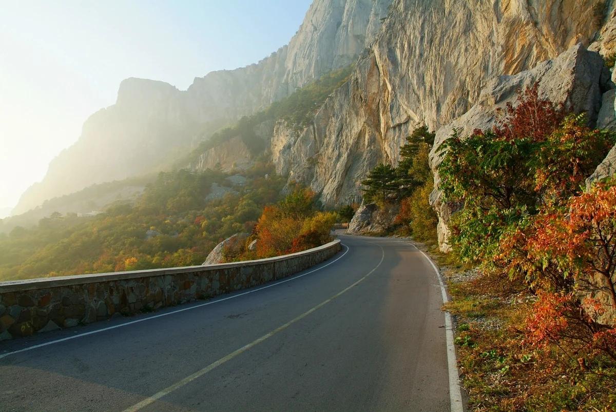 В Крыму планируют реконструировать дороги к Чёрному морю