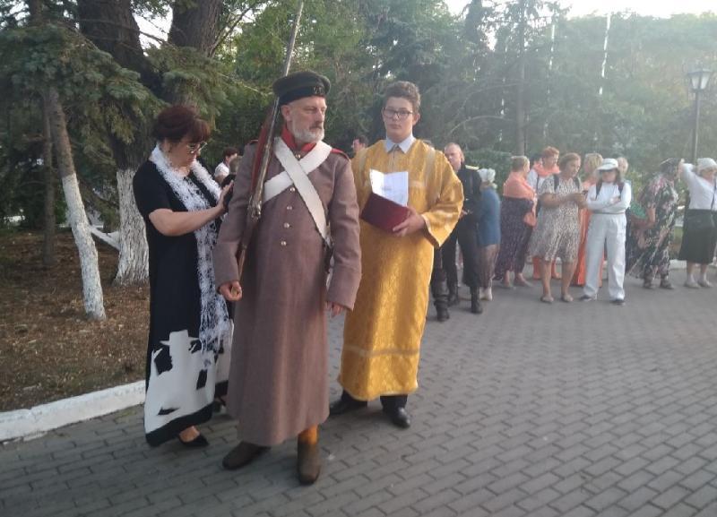 День памяти воинов, павших  при обороне Севастополя, отметили крестным ходом