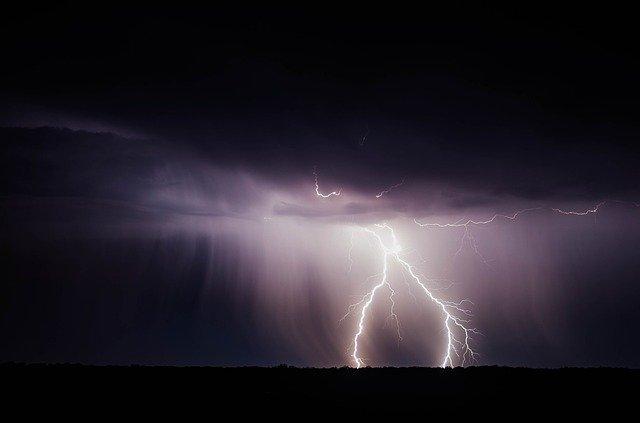 Балканский циклон принесет в Крым сильные ливни с градом
