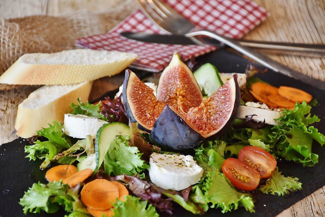 Врач-диетолог рассказал, что есть на ужин, чтобы похудеть