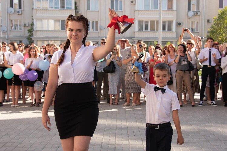 Михаил Развожаев поздравил севастопольских учителей с профессиональным праздником