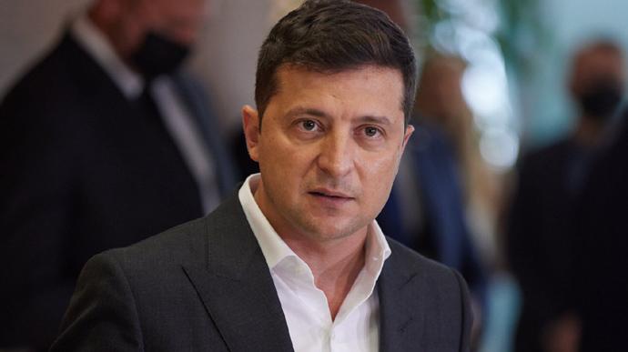 Зеленский требует ужесточить крымские санкции