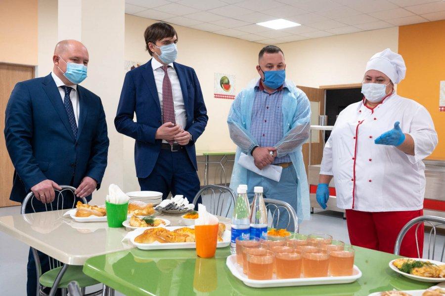 Школы Севастополя не закроют на карантин — Развожаев