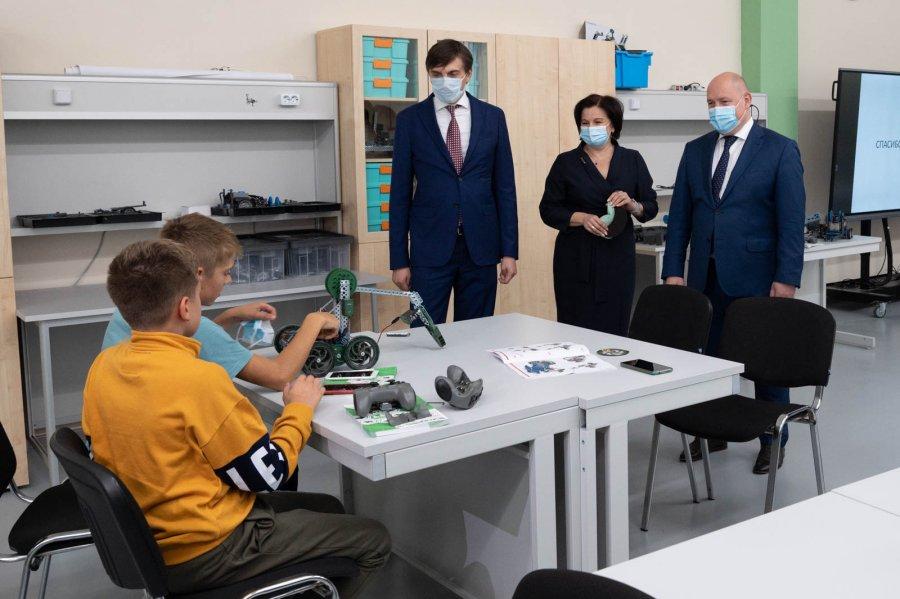 Школы Севастополя получат современное оборудование