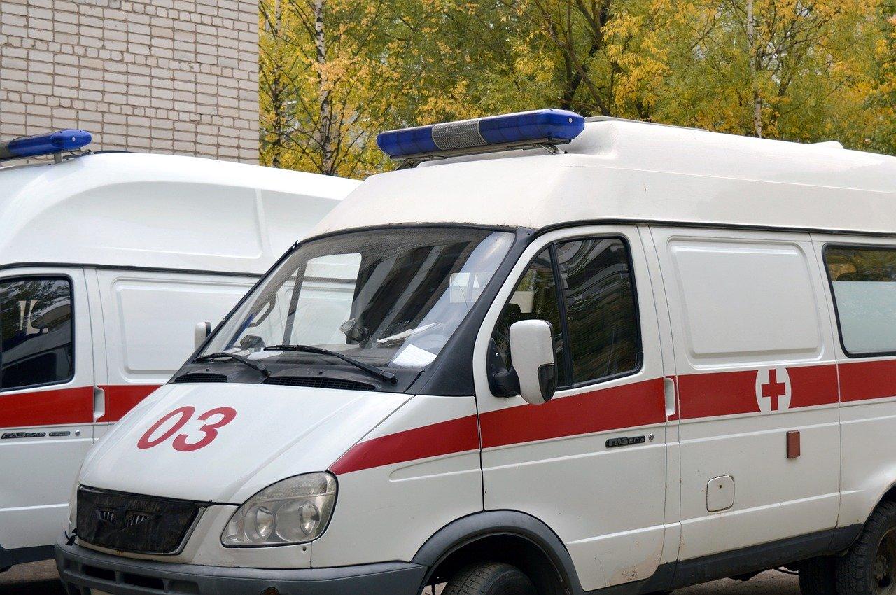 В Крыму мужчина повредил машину «скорой помощи»