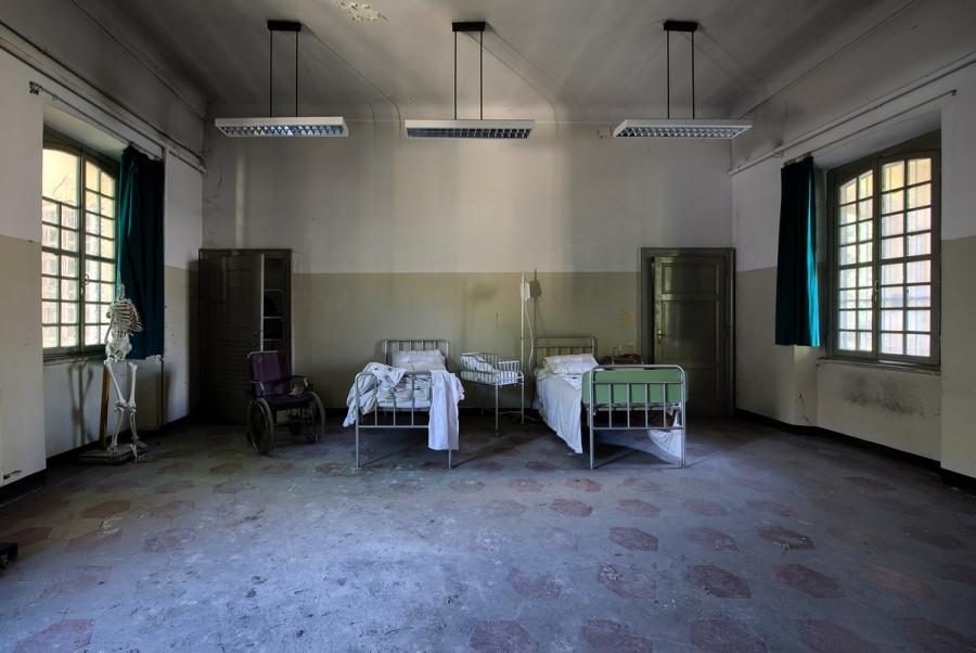 В севастопольской инфекционке пациенты 5 часов пролежали с трупом в палате